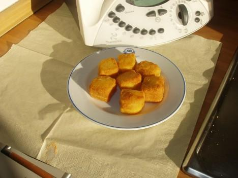 DADOS DE POLENTA CON BACON Y QUESO THERMOMIX
